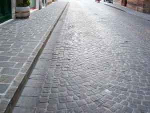 24 grey sandstone cubes - street paving with grey slate
