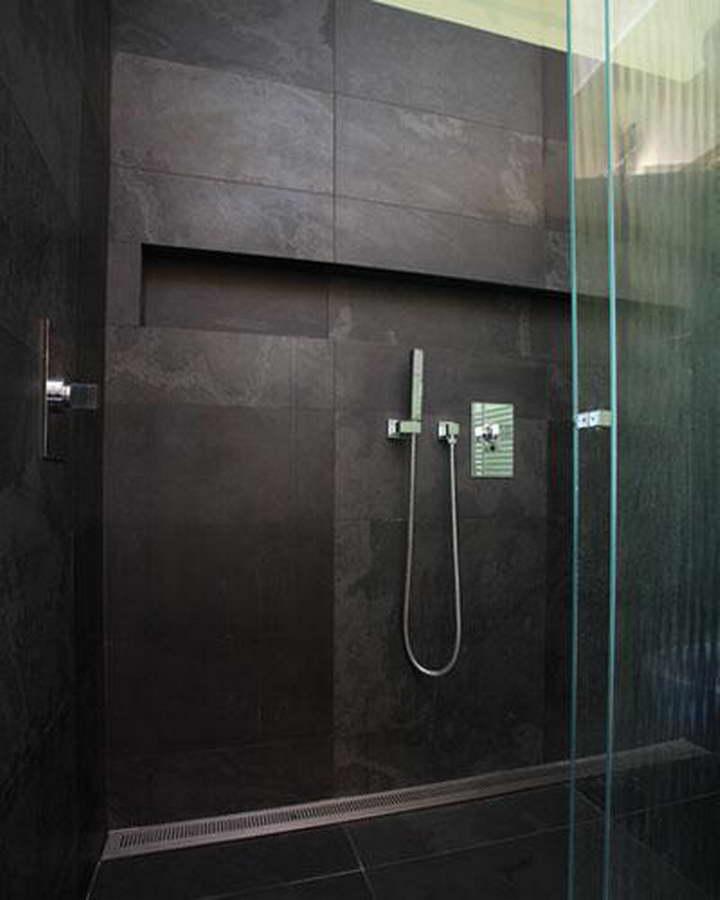 Black velvet balfin stone ardesia velluto nero for Zoccolini in pietra